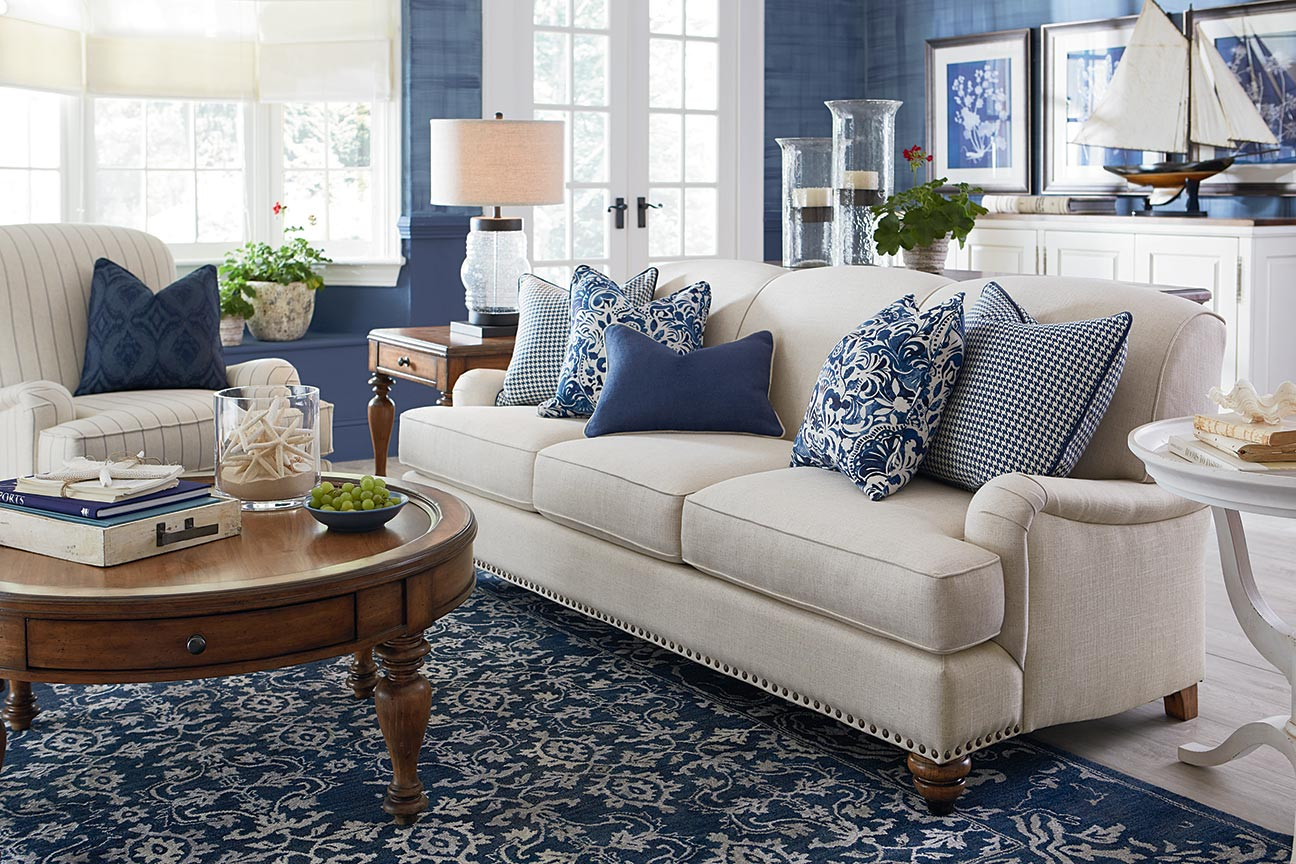 What Features Make Furniture Traditional