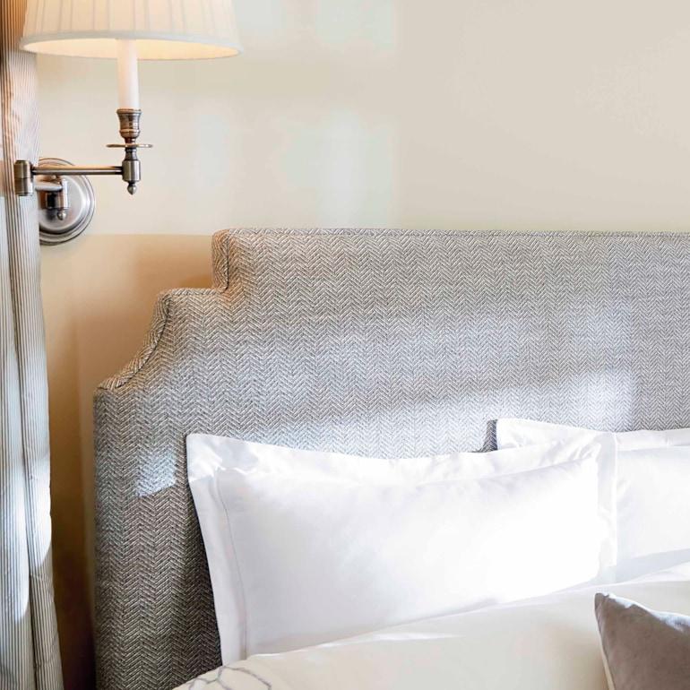 Step Rectangular Bed
